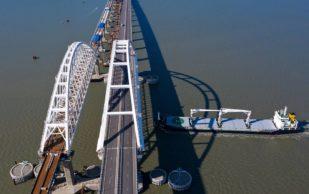 Грузовое движение по железнодорожной части Крымского моста начнется в декабре 2019 года